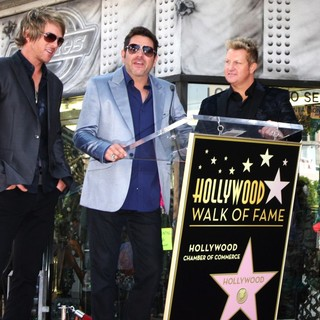 Rascal Flatts Honored with Star on The Hollywood Walk of Fame - rascal-flatts-walk-of-fame-08