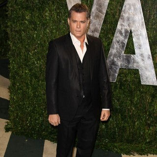 Ray Liotta in 2012 Vanity Fair Oscar Party - Arrivals