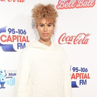RAYE-Capital FM's Jingle Bell Ball 2016