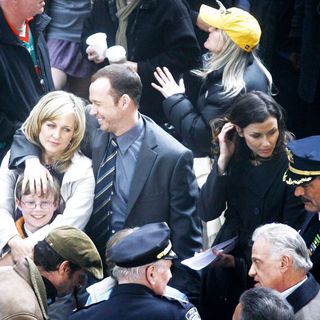 Donnie Wahlberg, Tom Selleck, Bridget Moynahan in On the set of 'Reagan's Law' filming the pilot episode