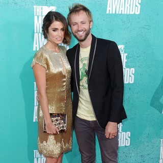 Nikki Reed, Paul McDonald in 2012 MTV Movie Awards - Arrivals