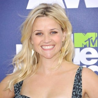 Reese Witherspoon in 2011 MTV Movie Awards - Arrivals