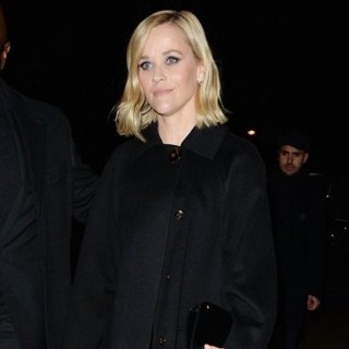 Reese Witherspoon Out During Paris Fashion Week