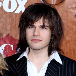 The Band Perry in 2011 American Country Awards - Arrivals - reid-perry-2011-american-country-awards-01
