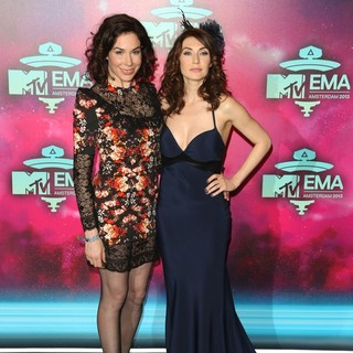 Halina Reijn, Carice van Houten in 20th MTV Europe Music Awards - Arrivals