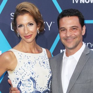 Alysia Reiner, David Alan Basche in The 16th Annual Young Hollywood Awards - Arrivals