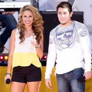 Haley Reinhart, Stefano Langone in American Idol Season 10 Cast Performs on ABC's Good Morning America as Part of Their Summer Concert