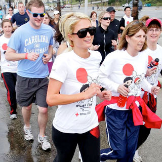 Paris Hilton in Celebrities Participate in 'Relief Run' Along Santa Monica Beach