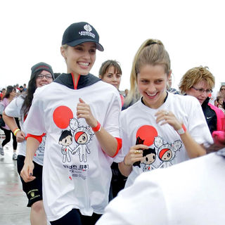 Dianna Agron, Teresa Palmer in Celebrities Participate in 'Relief Run' Along Santa Monica Beach