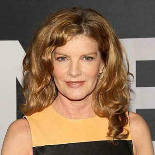 Rene Russo in The Universal Pictures World Premiere of The Bourne Legacy - Arrivals - rene-russo-premiere-the-bourne-legacy-04