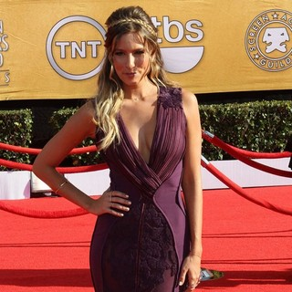 Renee Bargh in The 18th Annual Screen Actors Guild Awards - Arrivals