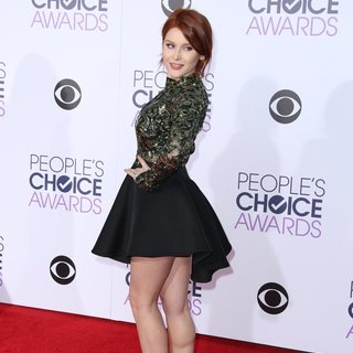 Renee Olstead in People's Choice Awards 2016 - Arrivals