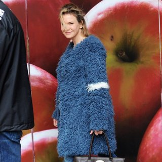 Renee Zellweger Is Spotted Filming Bridget Jones\'s Baby