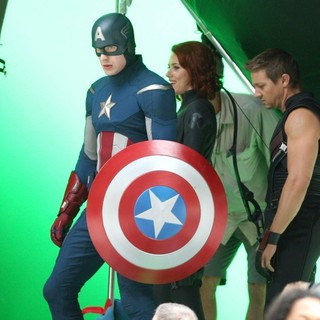 Chris Evans, Scarlett Johansson, Jeremy Renner in On The Film Set of The Avengers