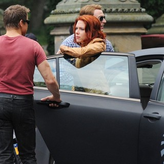 Jeremy Renner, Scarlett Johansson, Chris Evans in Actors on The Set of The Avengers Shooting on Location in Manhattan