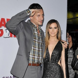 Simon Rex, Ashley Tisdale in Los Angeles Premiere of Scary Movie 5