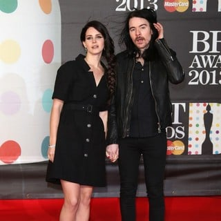 Lana Del Rey, Barrie-James O'Neill in The 2013 Brit Awards - Arrivals