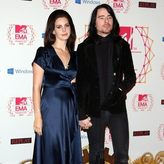 Lana Del Rey, Barrie-James O'Neill in The MTV EMA's 2012 - Arrivals