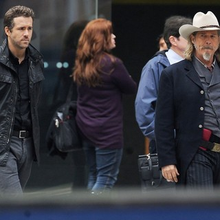 Ryan Reynolds, Jeff Bridges in Filming Scenes for The Movie R.I.P.D.
