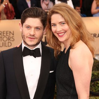 Iwan Rheon, Zoe Grisedale in 22nd Annual Screen Actors Guild Awards - Arrivals