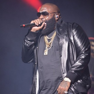Rick Ross Performs During Maybach Music Group Tour - rick-ross-performs-mmg-tour-02