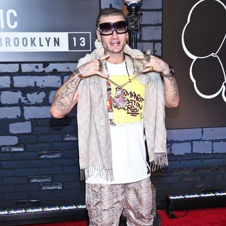 Riff Raff in 2013 MTV Video Music Awards - Arrivals