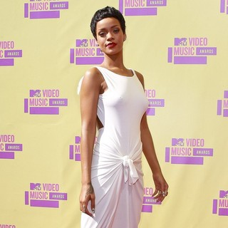 Rihanna in 2012 MTV Video Music Awards - Arrivals