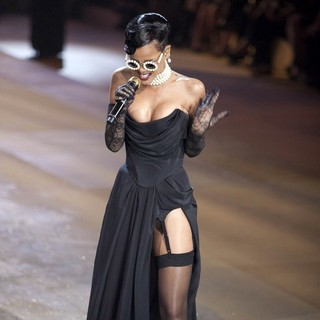 Rihanna - The 2012 Victoria's Secret Fashion Show - Inside