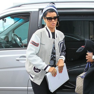 Rihanna in Rihanna Arrives at Heathrow Airport to Catch A Flight Back to America