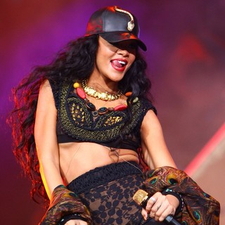 Rihanna - Barclaycard Wireless Festival 2012 - Day 3