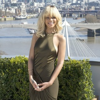 Rihanna in The London Photocall for Battleship