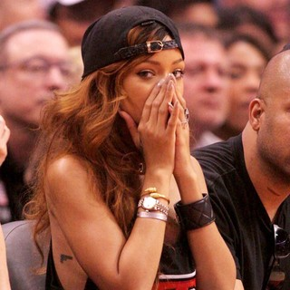 Rihanna in Celebrities Watch The Los Angeles Lakers vs The Los Angeles Clippers
