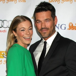 Eddie Cibrian, LeAnn Rimes in The Trevor Project's 2011 Trevor Live! - Arrivals