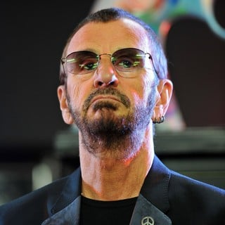 Ringo Starr Unveils His Uniquely Designed Replica Knotted Gun - Photocall
