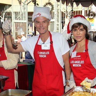 Harry Hamlin, Lisa Rinna in Children Foundation for Christmas Celebration