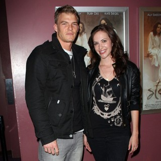 Alan Ritchson, Kate Siegel in The Los Angeles Premiere of Steam - Inside and Arrivals