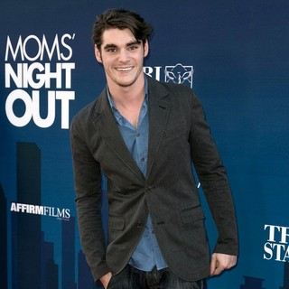 RJ Mitte in Premiere of Moms' Night Out