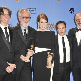 Jay Roach, Gary Goetzman, Julianne Moore, Danny Strong, Steve Shareshian in 70th Annual Golden Globe Awards - Press Room