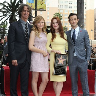 Jay Roach, Chloe Moretz, Julianne Moore, Joseph Gordon-Levitt in Julianne Moore Honored with Star at The Hollywood Walk of Fame