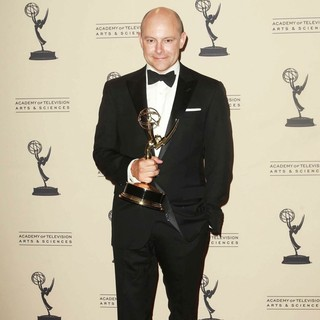 Rob Corddry in 2012 Creative Arts Emmy Awards - Press Room - rob-corddry-2012-creative-arts-emmy-awards-press-room-02