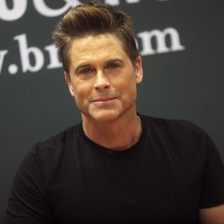Rob Lowe in Rob Lowe Promotes His Book Love Life