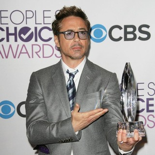 Robert Downey Jr. in People's Choice Awards 2013 - Press Room