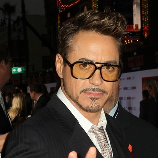 Robert Downey Jr. in Iron Man 3 Los Angeles Premiere - Arrivals - robert-downey-jr-premiere-iron-man-3-03