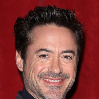 Robert Downey Jr. in Sherlock Holmes: A Game of Shadows Premiere - Arrivals