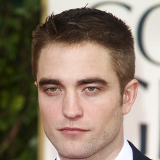Robert Pattinson in 70th Annual Golden Globe Awards - Arrivals