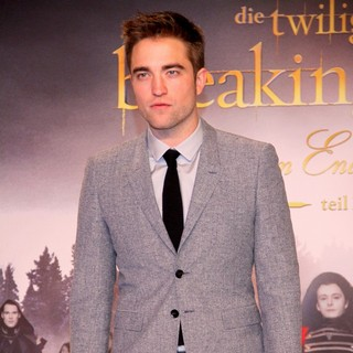 Robert Pattinson in Twilight Saga Breaking Dawn - Biss zum Ende der Nacht Teil 2 Premiere