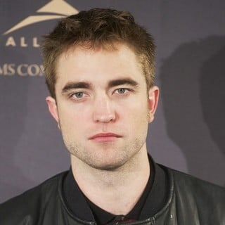 Robert Pattinson in The Twilight Saga's Breaking Dawn Part II - Photocall