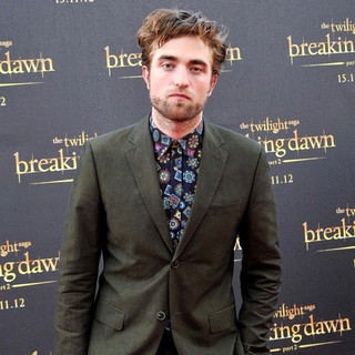 Robert Pattinson in Robert Pattinson Promotes The Twilight Saga's Breaking Dawn Part II