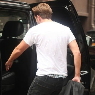 Robert Pattinson in Robert Pattinson Seen Returning to His Car