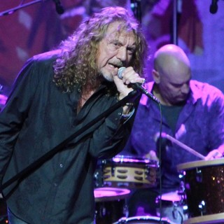 Robert Plant and the Band of Joy Performing Live - robert-plant-and-the-band-of-joy-performing-live-09